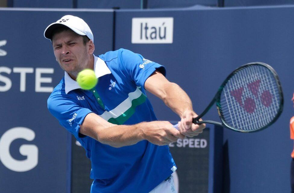 https://www.everydayvoip.com/wp-content/webpc-passthru.php?src=https://www.everydayvoip.com/wp-content/uploads/sites/3/2021/04/Hubert-Hurkacz-beats-Jannik-Sinner-to-win-Miami-Open-mens-tennis-title-975x640.jpg&nocache=1